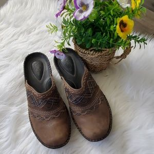CLARK'S Artisan Collection Brown Leather Clogs